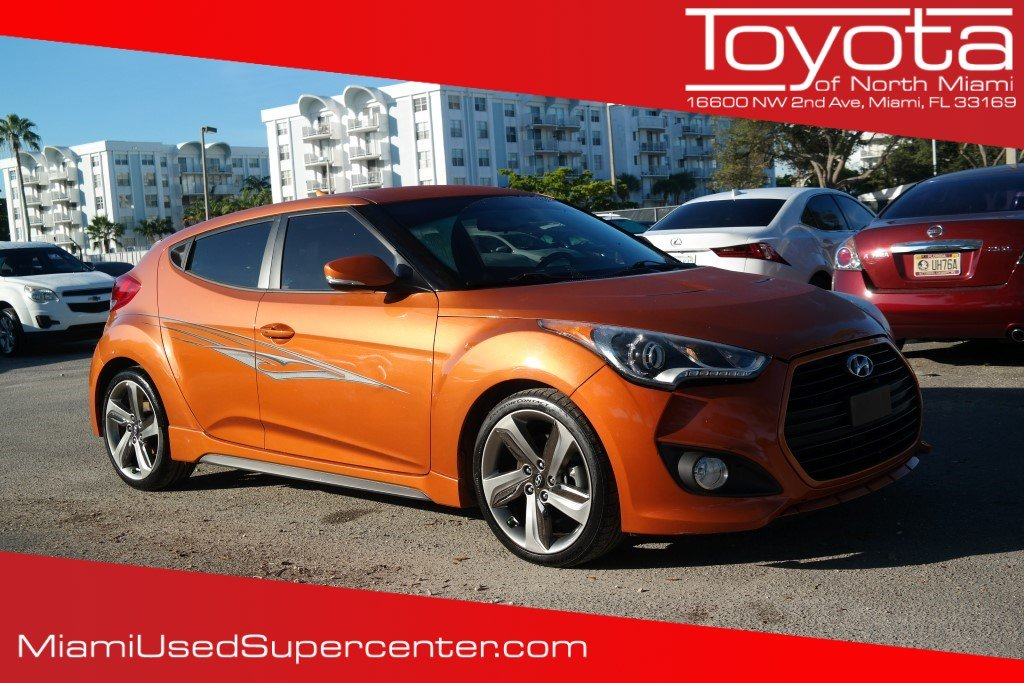 Pre-Owned 2015 Hyundai Veloster Turbo